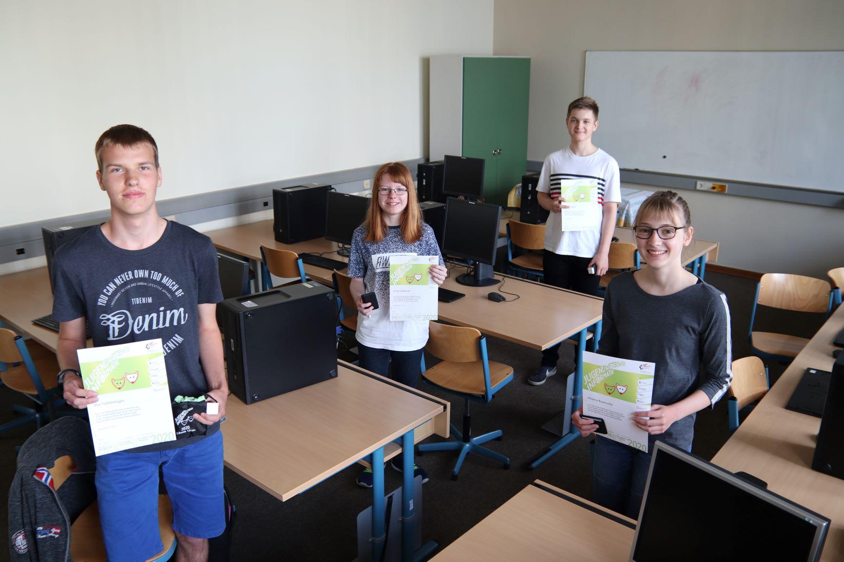 Max erreicht Höchstpunktzahl beim Jugendwettbewerb Informatik 2020